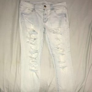 American Eagle Super Stretch Ripped Jeans Size 10